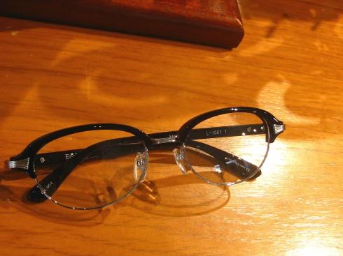 Ena Lloid (エナロイド) EYEROBICS で注目の眼鏡ブランド