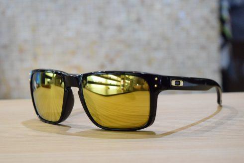 OAKLEY 「HOLBROOK」 (オークリー) 運動会の応援に・・・。  福岡天神大名の眼鏡(メガネ)のセレクトショップGlass Shop EYEROBICS(アイロビクス)